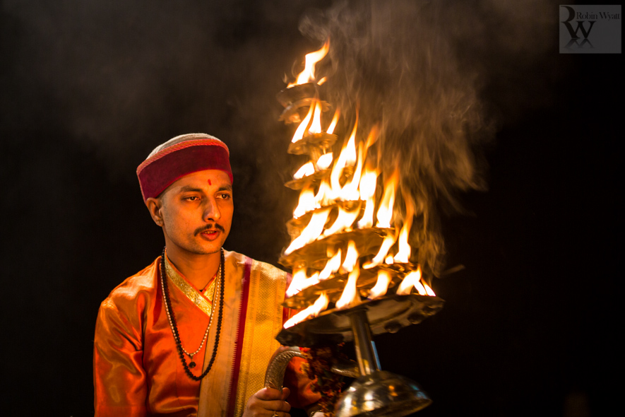 travel photographer tourism india uttar pradesh varanasi banares ganges ganga ghats night aarti sacred flames 26793 An evening in Banares, the City of Light