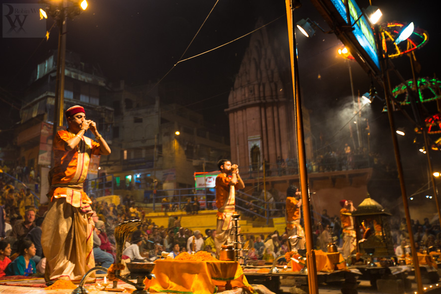 travel photographer tourism india uttar pradesh varanasi banares ganges ganga river night aarti sacred 26738 An evening in Banares, the City of Light