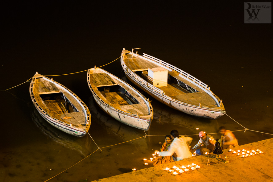 travel photographer tourism india uttar pradesh varanasi banares ganges ganga river night ghats diya boats 26735 An evening in Banares, the City of Light